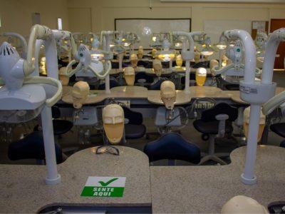 laboratorio-de-odontologia-faculdade-unilagos-2.jpg