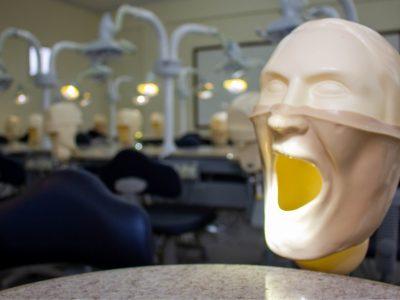 laboratorio-de-odontologia-faculdade-unilagos-3.jpg